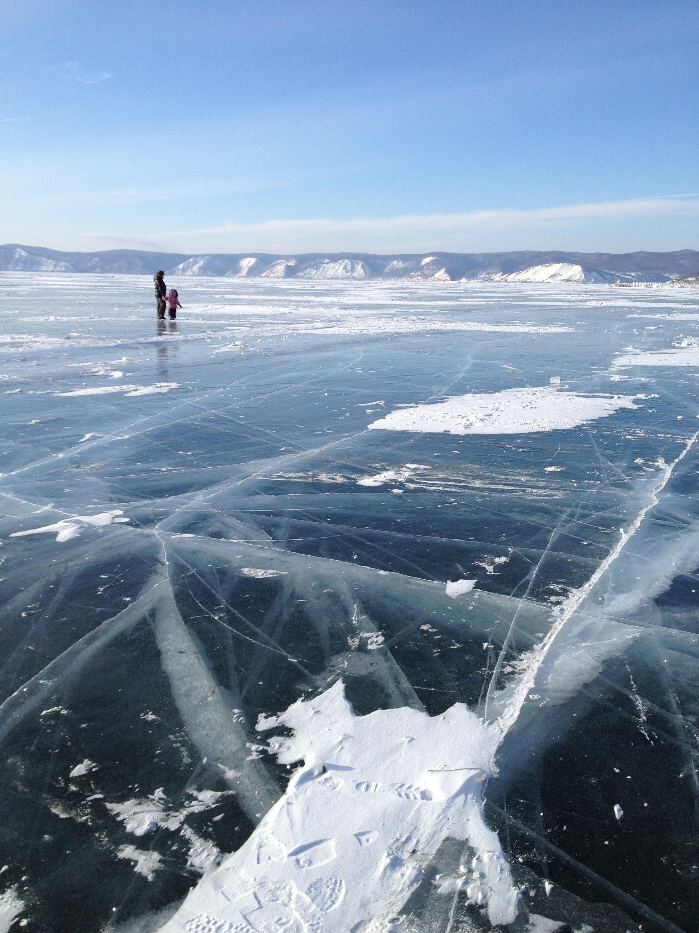Байкальский лед. Отдых на Байкале зимой