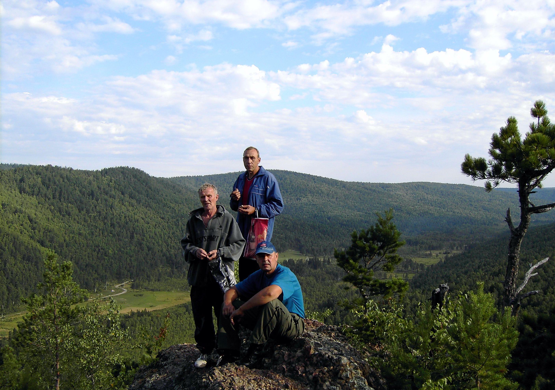 Туристы. Экологический отдых на Байкале
